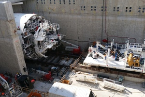 """<div class=""""bildtext_en"""">Assembling the TBM for the west tube. The second drive began at the end of September 2016</div>"""