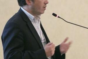 "<div class=""bildtext_en"">Giorgio Piaggio (Chile), animateur of WG 9 on Seismic Effects</div>"