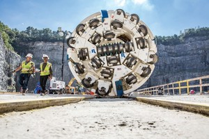 """<div class=""""bildtext_en"""">The 3.8 m diameter Main Beam TBM will bore the 8.0 km Bellwood Tunnel through granite rock with potential zones of water inflows</div>"""