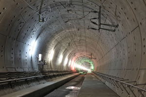 """<div class=""""bildtext_en"""">The high-speed overhead line Re 330 was anchored to the segments with bolts for the first time in Germany</div>"""