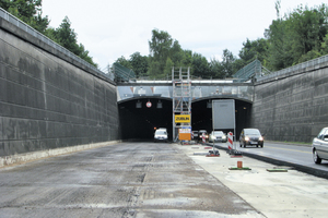"<div class=""bildtext_en"">The Rendsburg Canal Tunnel is currently being extensively redeveloped</div>"