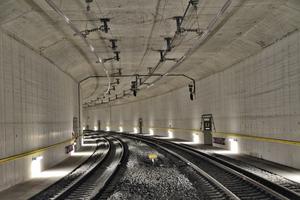 """<div class=""""bildtext_en"""">Allmend Tunnel</div>"""