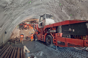 "<div class=""bildtext_en"">Since May 2016, the drill and blast excavation of the nearly 3000 m long second Perjen Tunnel in Austria has been underway. All works and all costs are currently on schedule</div>"