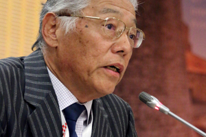 "<div class=""bildtext_en"">Yoshikazu Ota informed the assembly on WG 15 activities</div>"
