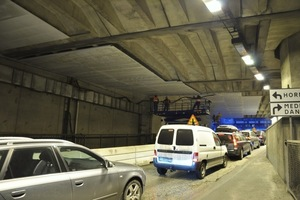 "<div class=""bildtext_en"">In Stockholm's Söderleds Tunnel, tunnel fire protection boards were preferred to fire protection plaster on account of reduced processing times which in turn resulted in shortened closure times for traffic</div>"