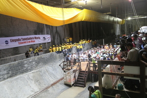 "<div class=""bildtext_en"">A big event for the construction workers and the public: Breakthrough of the TBM ""Marta"" at the Estación 5 de Mayo</div>"