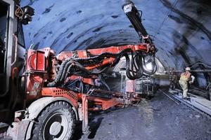 """<div class=""""bildtext_en"""">Construction of the access tunnel</div><div class=""""bildtext_en""""></div>"""