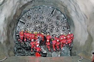 East tunnel breakthrough in Amsteg on 16 June 2009<br />(Photo: Herrenknecht AG) <br />