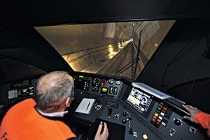 """<div class=""""bildtext_en"""">First test run in the Gotthard Base Tunnel</div>"""