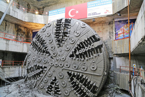 "<div class=""bildtext_en"">The cutting wheel of the 13.66 m diameter TBM briefly after the breakthrough in the target shaft of the Eurasia Tunnel on the European side of the Bosphorus</div>"