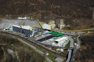 3 Overview of the Sigirino construction site, at the centre of the FIS access tunnel<br />