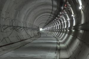 """<div class=""""bildtext""""><strong>6</strong>Streckentunnel</div>"""