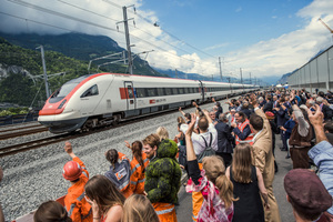 "<div class=""bildtext_en"">The first trains, which ran through the Gotthard Base tunnel were greeted at both portals with fireworks and great applause 