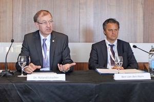 "<div class=""bildtext_en"">Chairman Dr.-Ing. Roland Leucker (left) and Secretary general Ben van den Horn at the press conference on the occasion of the 10<sup>th</sup> anniversary of ITA-COSUF</div>"