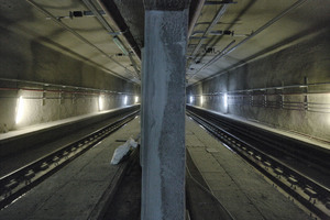 "<div class=""bildtext_en"">There are several connections between the 2 halves of the tube in each precast segment – view of one of the future tracks</div>"