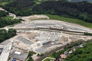 "<div class=""bildtext_en"">Construction halted at the north portal: in Gloggnitz the main construction work for the Semmering Base Tunnel has been postponed since January on account of an administrative court resolution</div>"