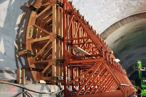 "<div class=""bildunterschrift_en"">Straight side-zone of the main tunnel with support trestles, shown during concreting of this zone </div><div class=""bildunterschrift_en""></div>"