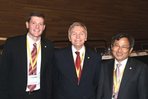6  The new president In-Mo Lee from Korea elected in Vancouver, past-president Martin Knights from the UK and 1st vice-president Markus Thewes from Germany (from right to left)<br />