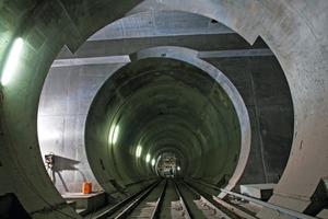"""<div class=""""bildunterschrift_en"""">Gotthard Base Tunnel: niche for installing a track switching gate, Faido part-section</div>"""