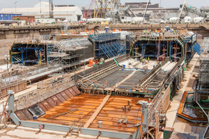 """<div class=""""bildtext_en"""">Altogether eleven tunnel segments with an average length of 106 m were concreted in the dry dock using formworks</div>"""
