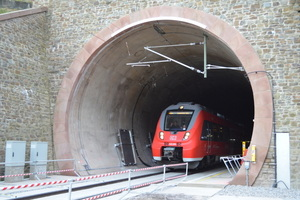 "<div class=""bildtext_en"">Maiden journey: the new Kaiser Wilhelm Tunnel was officially opened on April 7, 2014 when a regional train passed through it</div>"