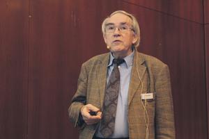 """<div class=""""bildtext"""">Prof. Dr.-Ing. Alfred Haack</div>"""