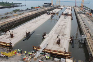 "<div class=""bildtext_en"">The tunnel segments are ready for transport to the Elizabeth River</div>"