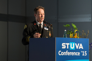 """<div class=""""bildtext_en"""">13) Gary English from the Seattle Fire Department (USA) presenting his paper on real fire incidents in the block of topics devoted to """"Personal Security"""" 