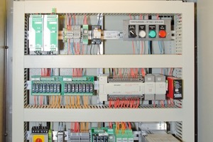 """<div class=""""bildtext_en"""">Control cabinet in the Lötschberg Base Tunnel before...</div>"""