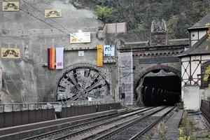 Portal Cochem: Neuer (links) und Alter Kaiser-Wilhelm-Tunnel<br />