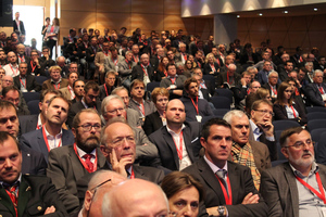 """<div class=""""bildtext_en"""">More than 900 participants from 12 countries attended the two-day colloquium with accompanying trade exhibition in the """"Salzburg Congress""""</div>"""