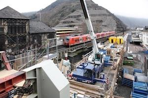 """<div class=""""bildtext_en"""">Final phase of constructing the """"Brückenstraße"""" rail overpass in Cochem </div>"""