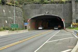 """<div class=""""bildtext_en"""">New Zealand Terrace Tunnel portal</div>"""