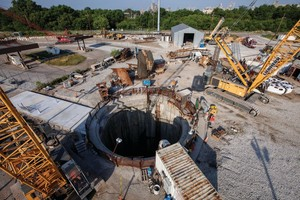 The TBM was launched from the 67 m deep White River shaft, and will bore both Lower Pogues Run and White River Tunnels before excavating the rest of the DigIndy network