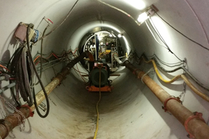"""<div class=""""bildtext_en"""">Pipe string with conveyor and feed line</div>"""