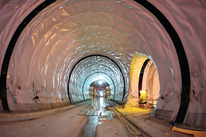 "<div class=""bildtext_en"">Waterproofing in the Albabstieg Tunnel, new Wendlingen–Ulm rail route</div>"