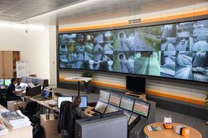 "<div class=""bildtext_en"">Tauern Tunnel control centre</div>"
