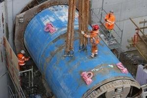 """<div class=""""bildtext_en"""">DN 2800 TBM driving into the Gelsenkirchen pumping station</div>"""