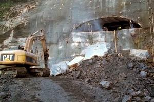 """<div class=""""bildunterschrift_en"""">Opening of the tunnel mouth in Barra da Tijuca</div>"""