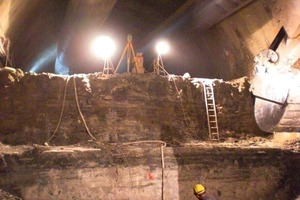 10 Follow-up bench and invert excavation in the main tunnel