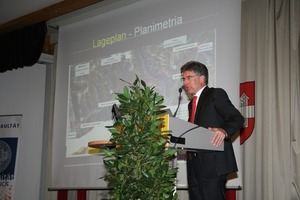 1 Prof. Konrad Bergmeister during his lecture on the stage reached by work on the Brenner Base Tunnel at Innsbruck/A<br />