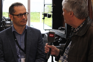 """<div class=""""bildtext_en"""">Daniel Spörri from the STS board being interviewed by Swiss radio and television (srf) about the Gotthard book 