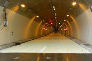 "<div class=""bildtext_en"">The white asphalt caters for enhanced safety and cost-savings for lighting in the Luxembourg tunnels on the A7     </div>"