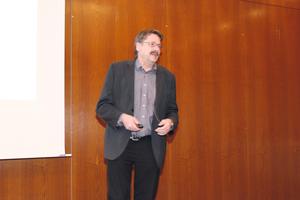 """<div class=""""bildtext"""">Dr.-Ing. Knut Herrmann</div>"""