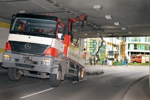 """<div class=""""bildunterschrift_en"""">The vehicle that caused the accident in the Unna Ring Tunnel</div>"""
